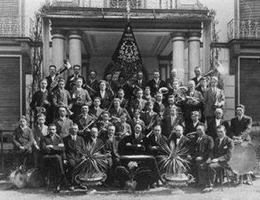 de eerste groepsfoto uit 1931
